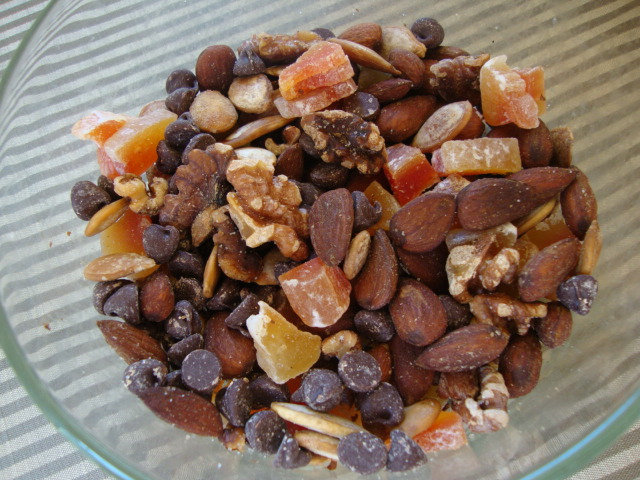 Papaya Trail Mix -- Epicurean Vegan