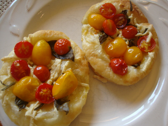 Cherry Tomato Tarts -- Epicurean Vegan