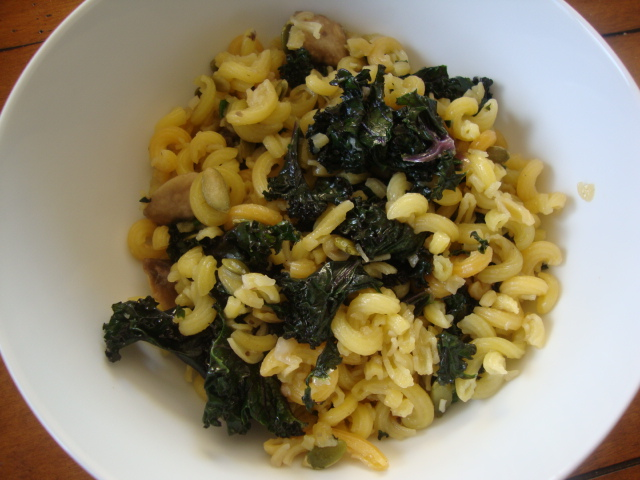 Quinoa Pasta with Kale & Mushrooms -- Epicurean Vegan